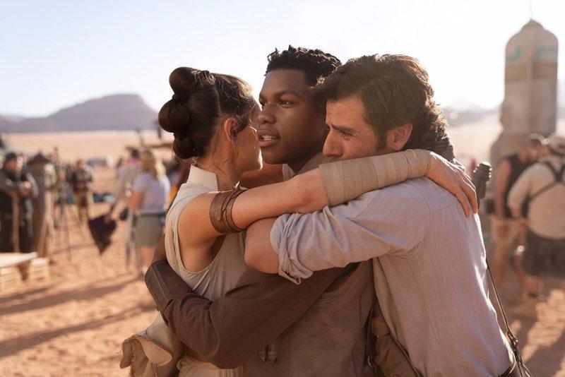 Oscar Isaac, John Boyega, and Daisy Ridley in Star Wars: Episode IX - The Rise of Skywalker (2019)