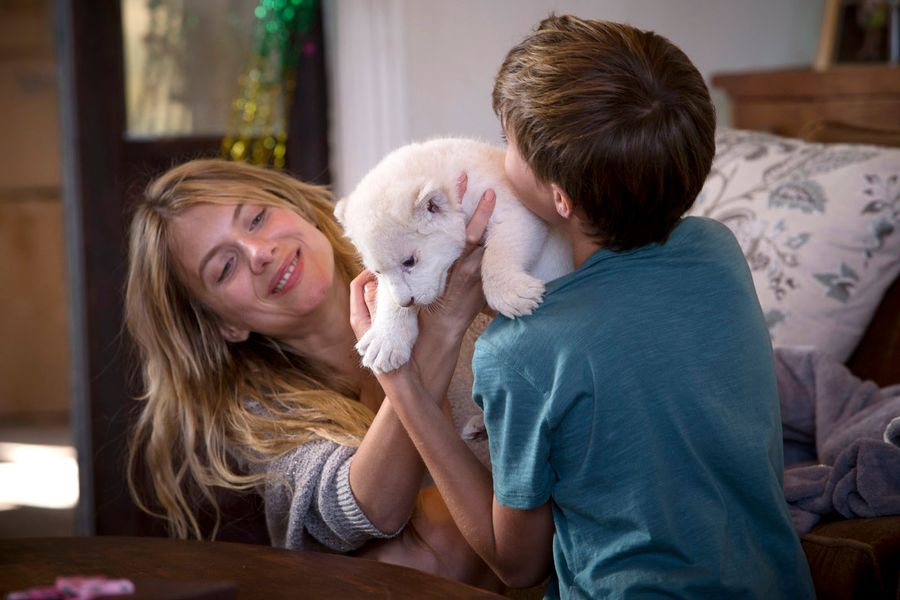 rating film mia and the white lion bahasa indonesia
