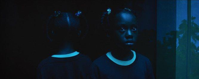 us-biz-2019-film-inceleme-analiz-ve-yorum-jordan-peele-biz-us-2019-film-incelemesi-aynali-oda