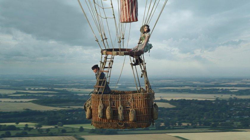 Felicity Jones and Eddie Redmayne in The Aeronauts (2019)
