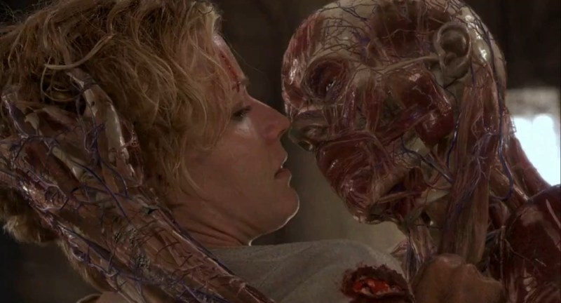 Kevin Bacon and Elisabeth Shue in Hollow Man (2000)