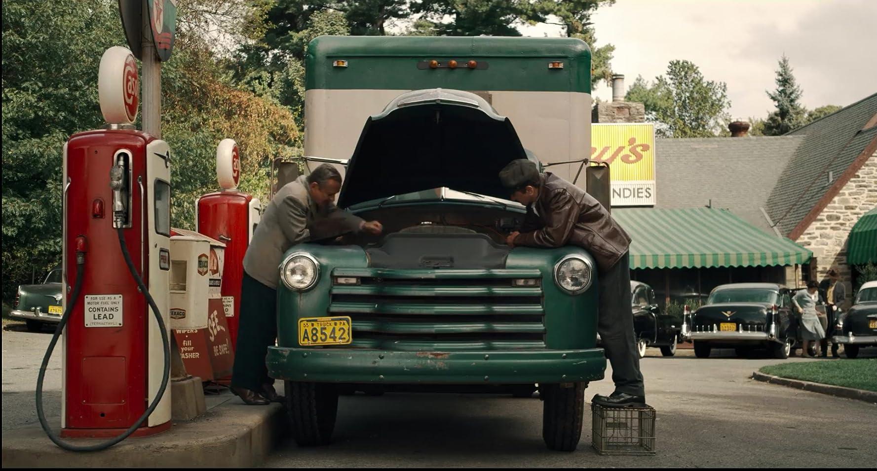 Robert De Niro and Joe Pesci in The Irishman (2019)
