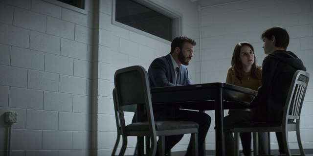 Chris Evans, Michelle Dockery, and Jaeden Martell in Defending Jacob (2020)