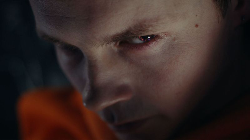 Sam Strike in Nightflyers (2018)