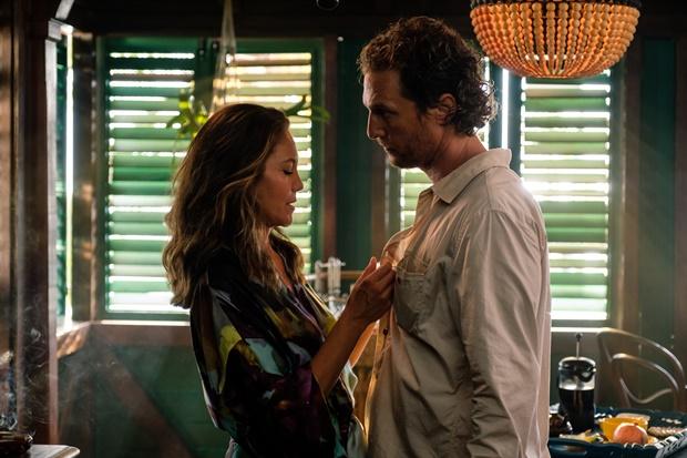 Diane Lane and Matthew McConaughey in Serenity (2019)