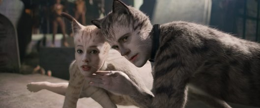 Robbie Fairchild and Francesca Hayward in Cats (2019)