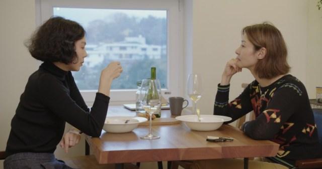 Seon-mi Song and Min-hee Kim in Domangchin yeoja (2020)