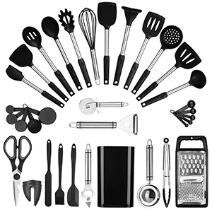 Kitchen utensils set