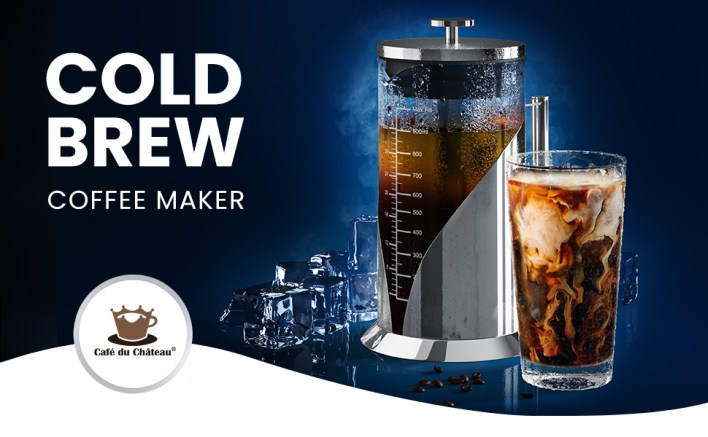 Everlasting Comfort Cold Brew Coffee Maker with a glass of fresh cold brew