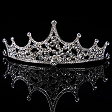 tiaras and crowns for women