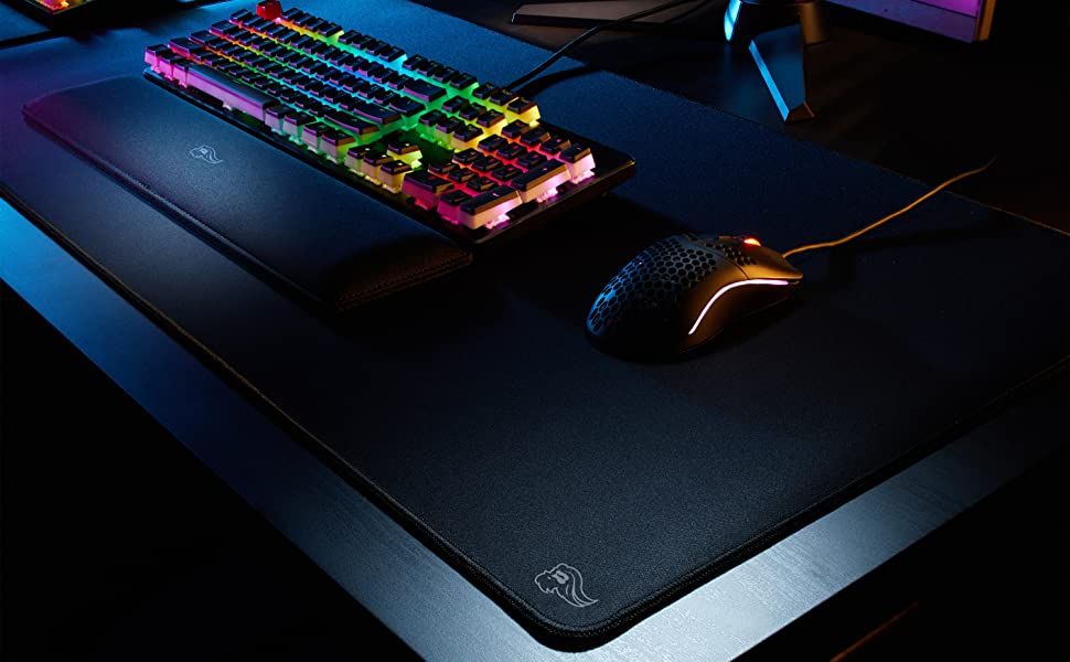 Glorious mousepad