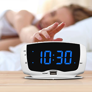 alarm clock with snooze for bedroom