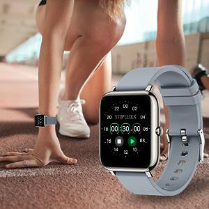 sportivo contapassi da polso smartwatch