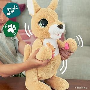 furreal;  bicho de estimação;  brinquedo;  mamãe josie, o canguru;  interativo;  fureal;  furreal;  amigos furreais;  Natal
