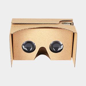 VR de cartão e outro fone de ouvido de realidade virtual