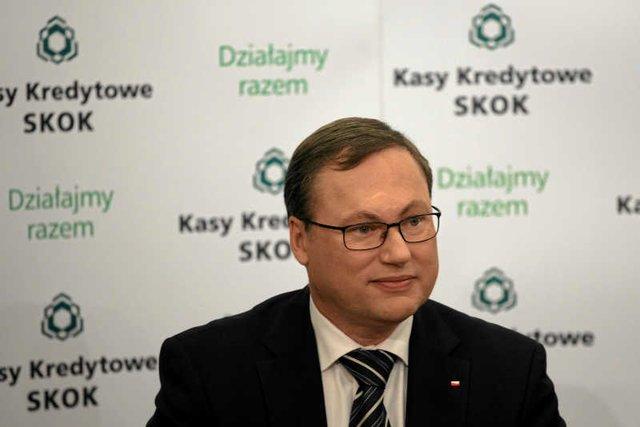 Grzegorz Bierecki z Fundacji na rzecz Polskich Związków Kredytowych miał wyprowadzić miliony.