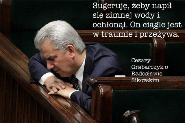 Cezary Grabarczyk jest jednym ze stronników Ewy Kopacz i krytykuje tych, którzy kwestionują jej przywództwo.