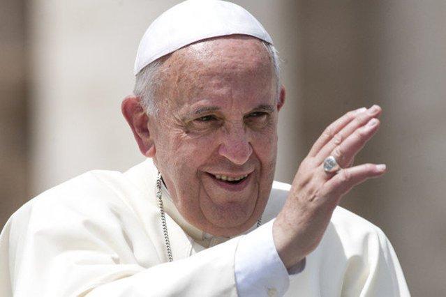 Papież Franciszek nie ma powodu do zmartwień. Finanse Watykanu nie przedstawiają się tak źle, jak sądzono.
