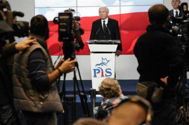 PiS po wyborach szykuje szturm na media publiczne.