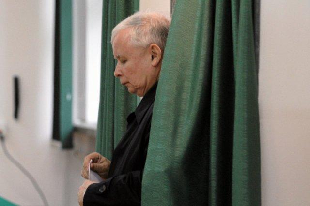 """Niemiecki tygodnik """"Der Spiegel"""" ocenia, że prezes Jarosław Kaczyński na czele PiS to gwarantowana przegrana w wyborach parlamentarnych."""