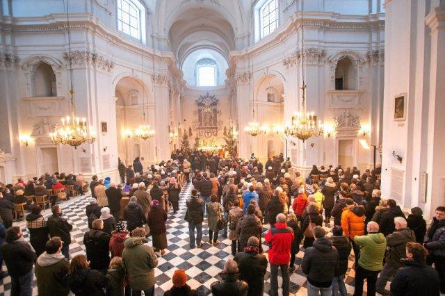 Polscy księża rozczarowująswojąpostawą w dyskusji o uchodźcach