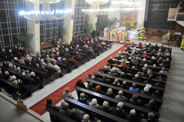 Msza święta w Goleniowie, zawierzenie gminy Jezusowi Chrystusowi Królowi Wszechświata