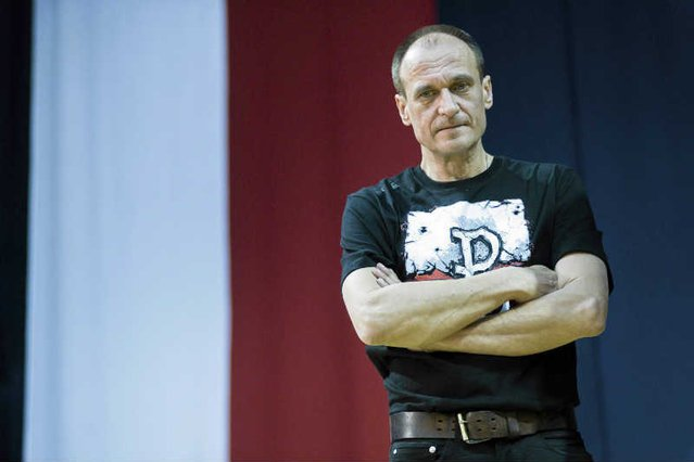 """""""Newsweek"""" opisuje kulisy narastających kłopotów ruchu Pawła Kukiza."""