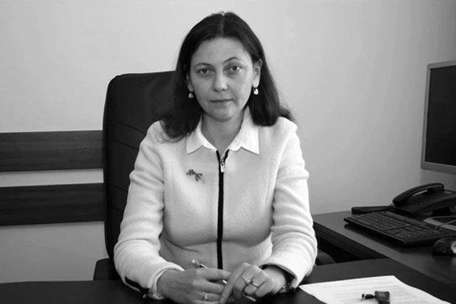 """""""Newsweek"""" próbuje ustalić kulisy tragicznych wydarzeń z ostatnich dni życia wiceminister sprawiedliwości Moniki Zbrojewskiej."""