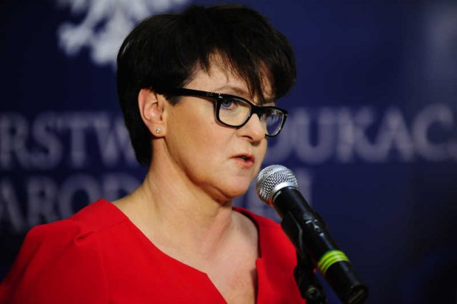 Joanna Kluzik-Rostkowska zapewnia, że nie pozwoli na wciąganie szkoły w ideologiczne spory.