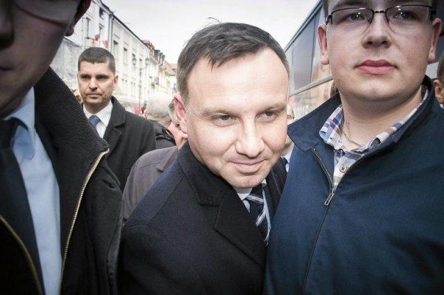 Andrzej Duda może myśleć o prezydenturze tylko wtedy, gdy przekona do siebie elektorat poza PiS. A na razie do tego daleko