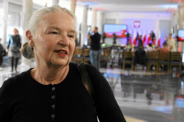 Jadwiga Staniszkis nie będzie popierać ambicji politycznych córki, ale wierzy w Andrzeja Dudę.