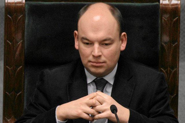 Jan Dziedziczak (PiS) uważa, że metoda in vitro powinna być w Polsce zabroniona