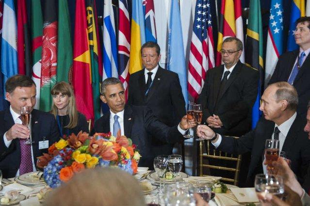 Andrzej Duda siedział przy stole z Barackiem Obamą i Władimirem Putinem.