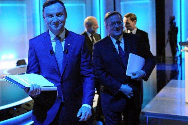 Duda i Komorowski cieszą się jednakowym zaufaniem Polaków. Ten pierwszy ma jednak dużo mniej przeciwników.