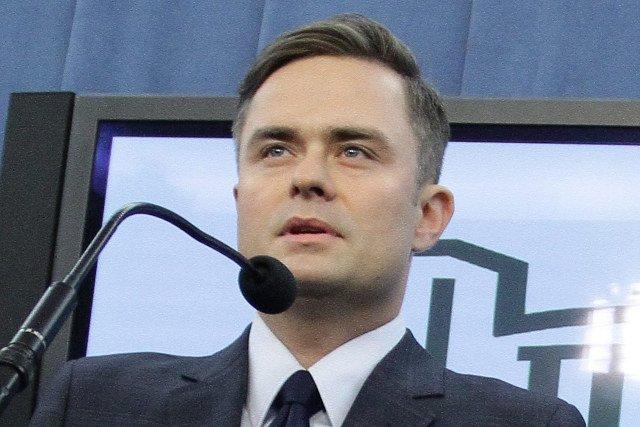"""Adam Hofman zauważył, że """"pani prof. Staniszkis nazwała już Andrzeja Dudę maminsynkiem"""""""