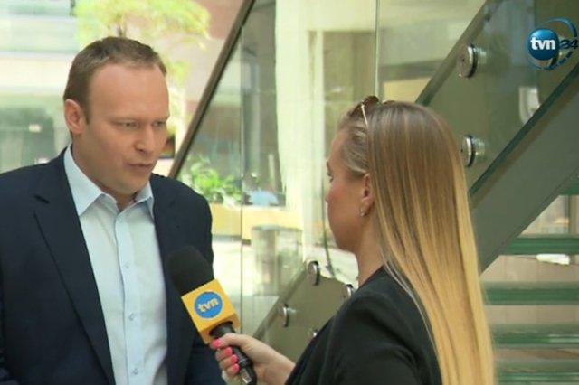 Ani rzecznik PiS ani wiceprezes Polski Razem nie potrafili odpowiedzieć na pytania zadane przez dziennikarkę TVN.