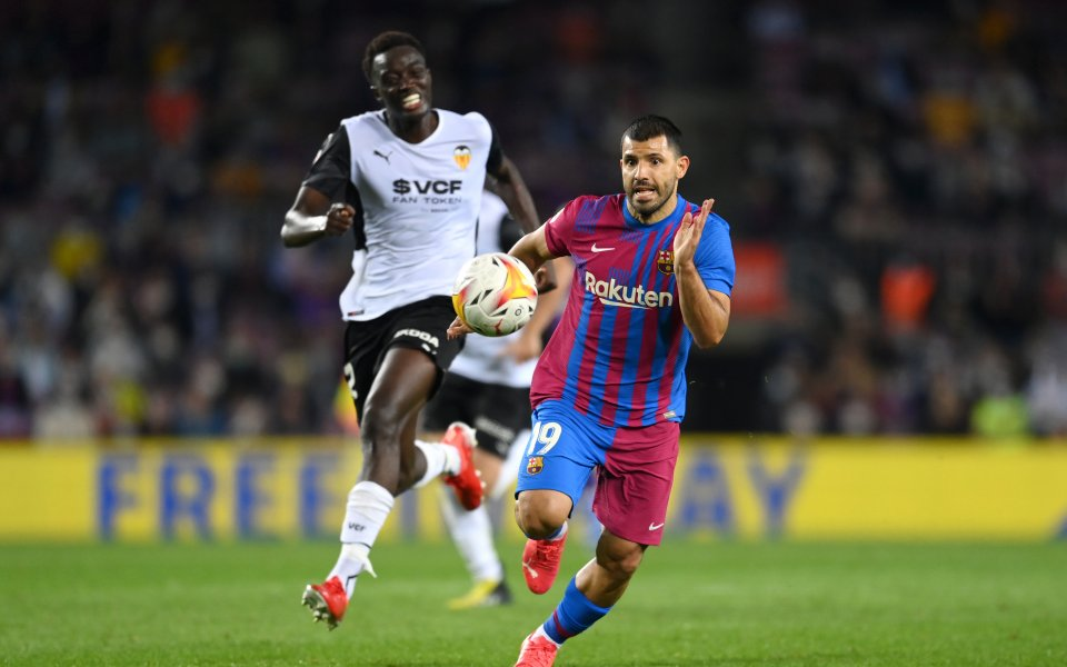 Барса превърна Валенсия в дебют на Агуеро – Футболен свят – Испания