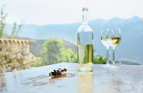 Light Delights: Summers White Wines