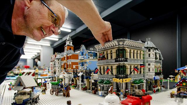 Winning a Job at Lego   WSJ Have You Got What it Takes to Be a Lego Designer