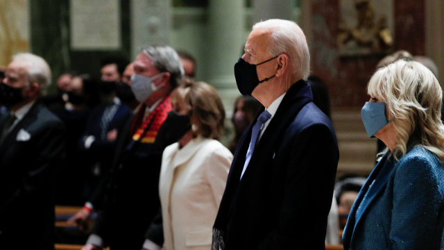 Biden Attends Mass With Harris, Congressional Leaders