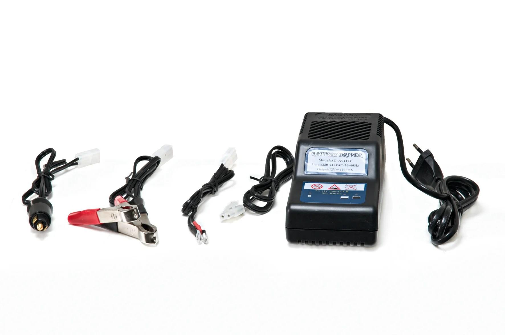 Chargeur De Batterie 12v Pour Autoportees Et Miniriders 8 W Leroy Merlin