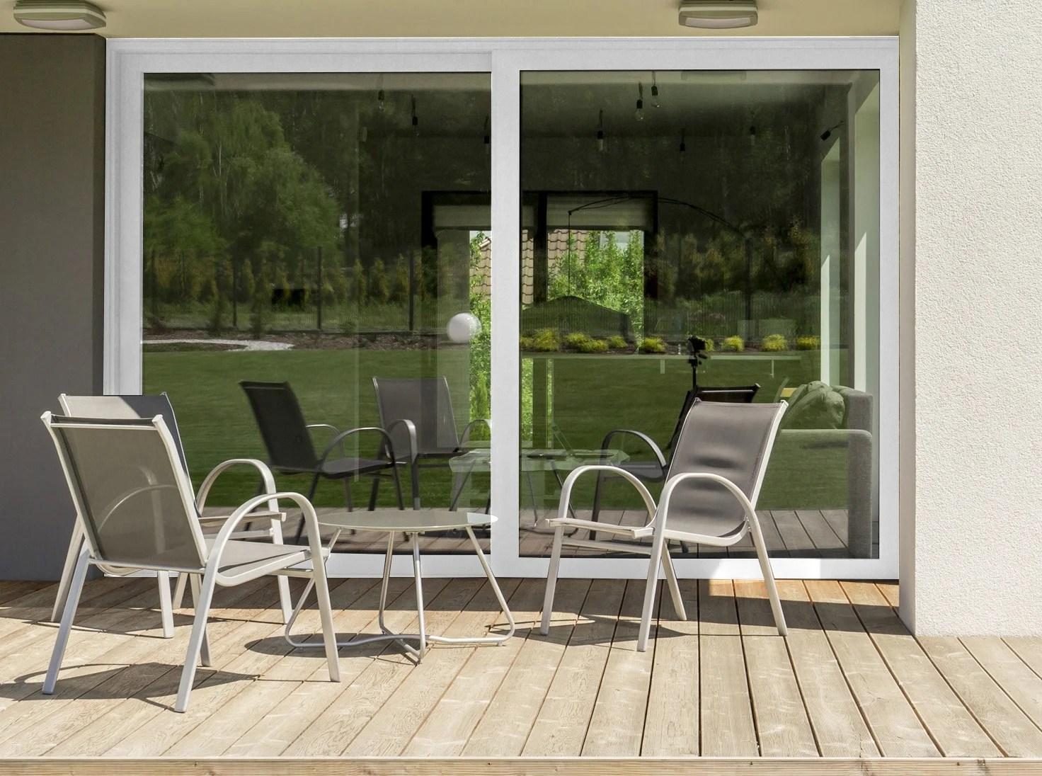 https www leroymerlin fr produits menuiserie baie vitree baie vitree coulissante baie vitree brico premium aluminium blanc avec volet roulant h 215 x l 240 cm 80137045 html