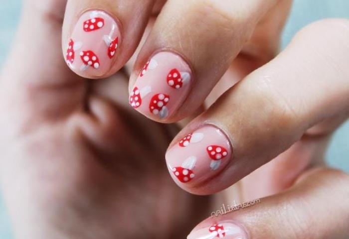 Uñas Cortas Decoradas De Otoño Nail Art De Setas Amanitas
