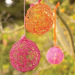 Hermosa manualidad con globos e hilos de colores