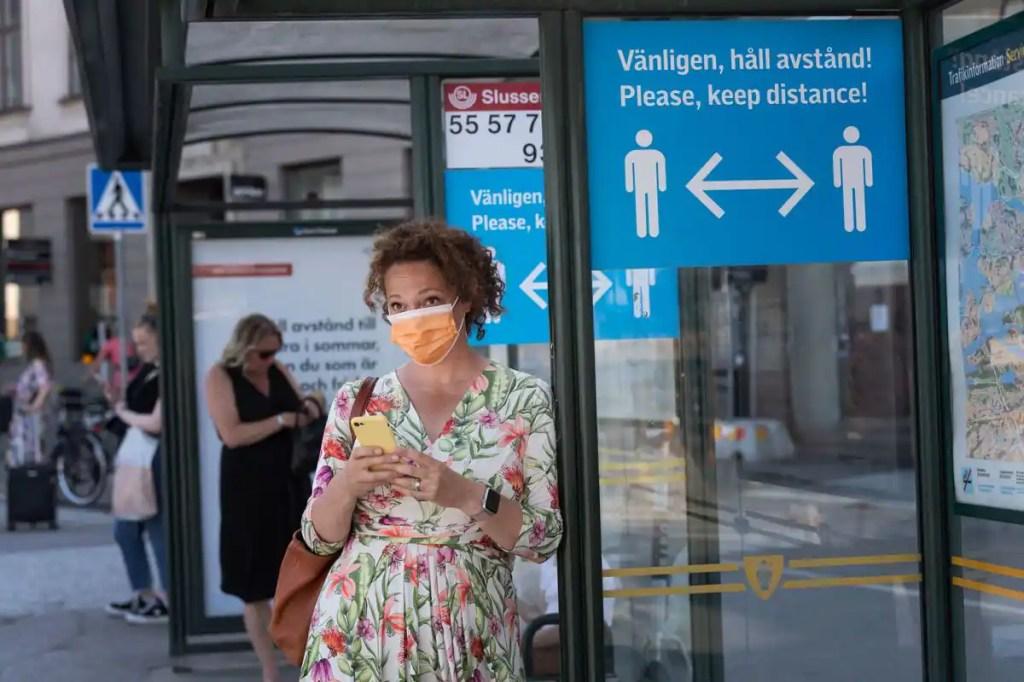 COVID-19: la Suède va lever l'interdiction des visites en maison de retraite