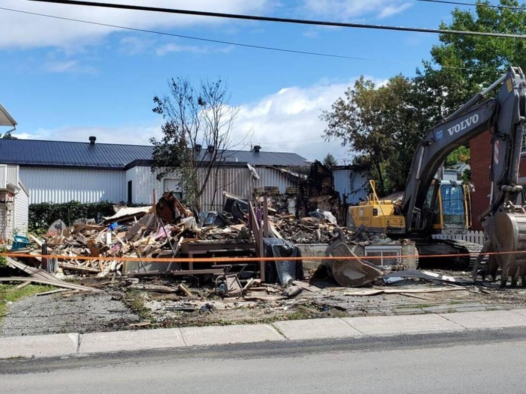 Un quadruplex ravagé par un incendie à Victoriaville