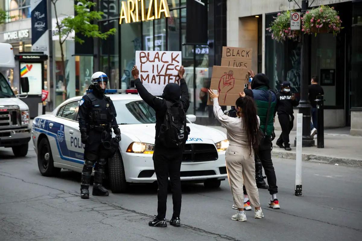 Pas de racisme systématique au Québec, réitère Legault