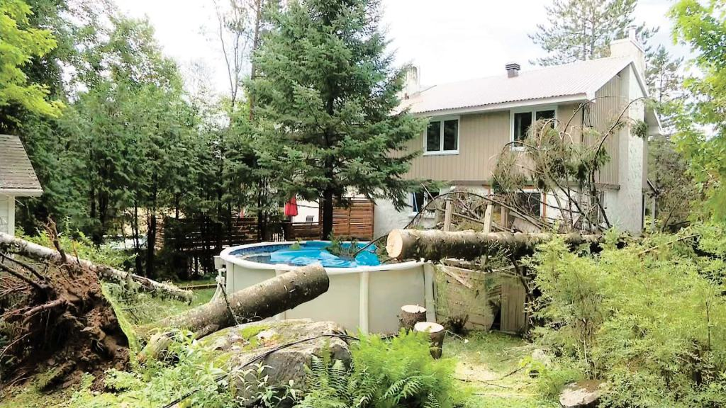 [PHOTOS] Pluies torrentielles: la tempête Isaias balaie Québec