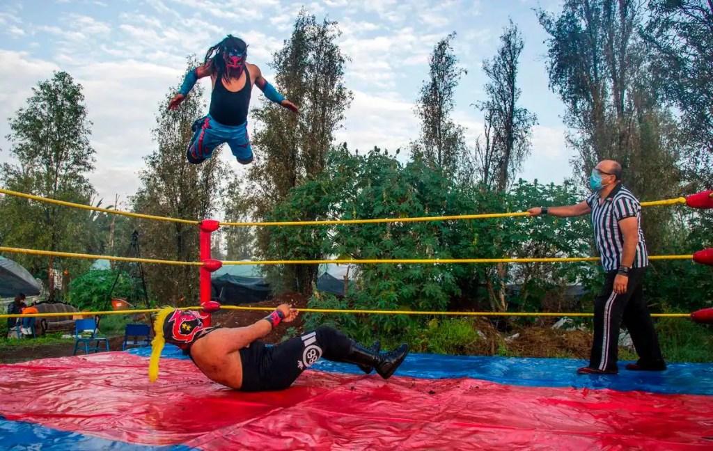 La pandémie met les lutteurs mexicains au tapis