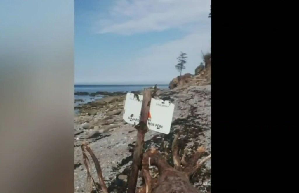 Une pancarte du Saguenay retrouvée en Gaspésie